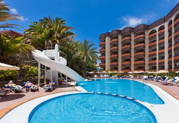 Pool with slide mur hotel neptuno gran canaria